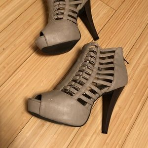 Shoes - Grey Cage Like High Heel Sandal